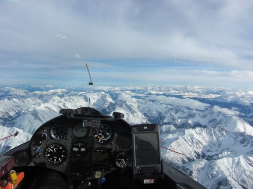 In 4.300 Meter Höhe in der Föhnwelle über dem Karwendelgebirge